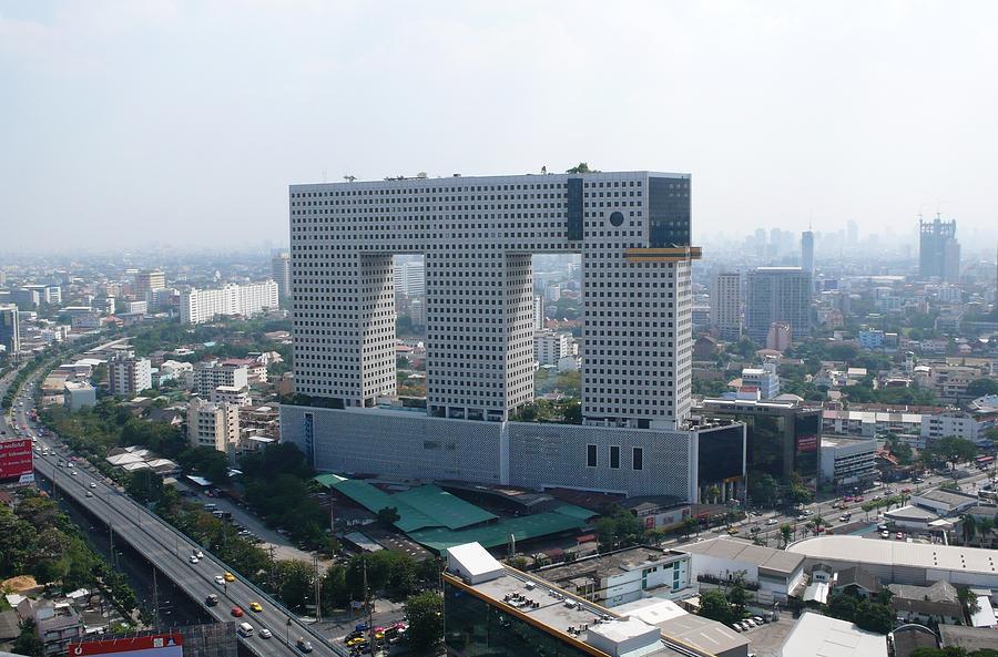 elephant-building-thailand