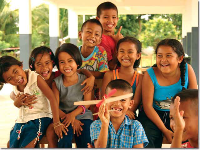 3-Thai-Kids-Posing