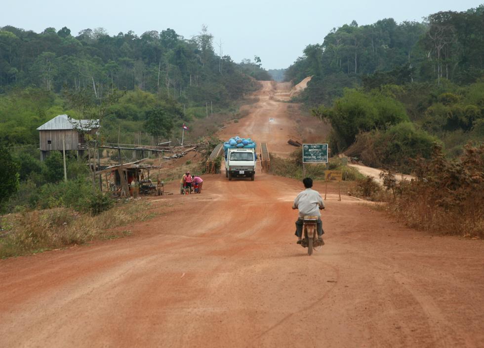 カンボジアの道
