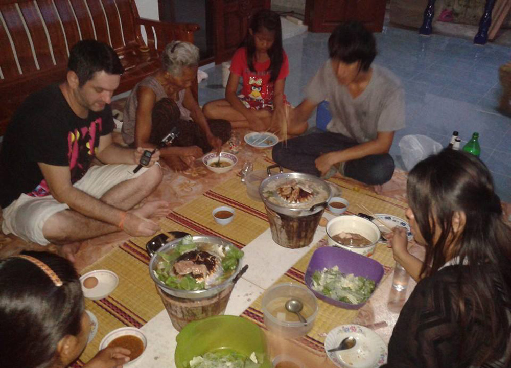 eating-moo-kata-barbecue-isaan-tours