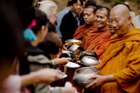 Monk_Offering