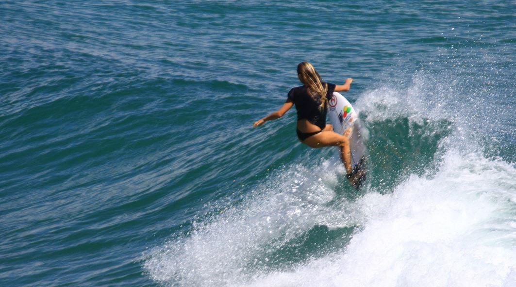 サーフィンうまい
