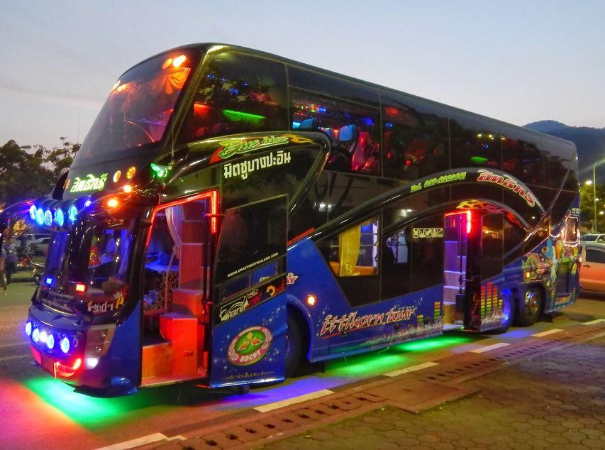 クラブバス