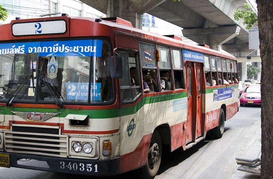 マッドマックスなバス