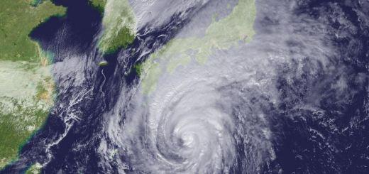 台風サーフィン