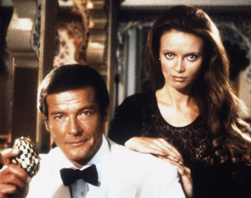 007スパイカップル