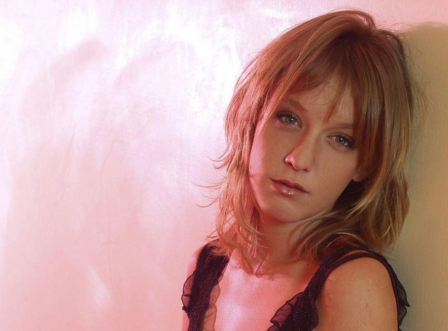 フランス金髪美女
