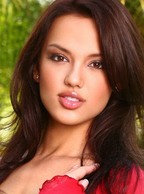 アメリカ系美人アジア人