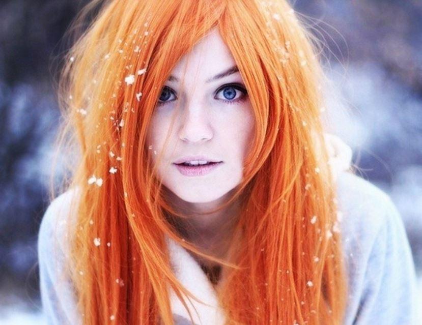 赤毛のロシア美女