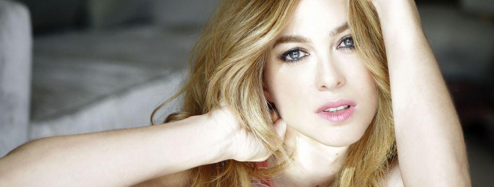 スペイン金髪美女