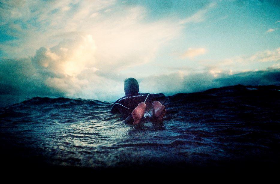 冬サーフィンパドル