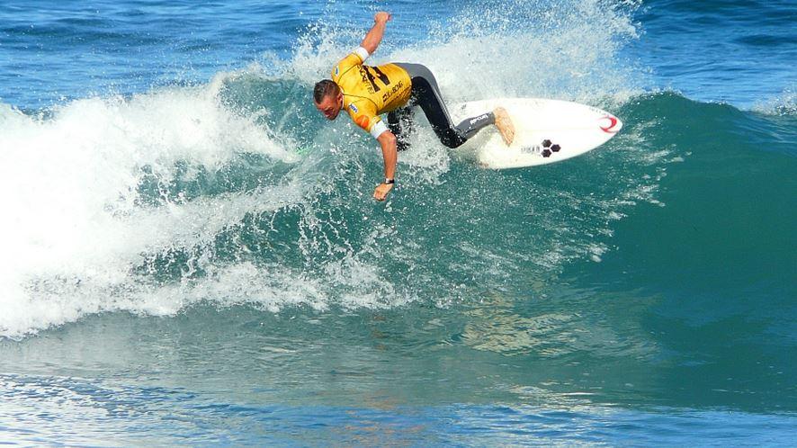 サーフィン代表