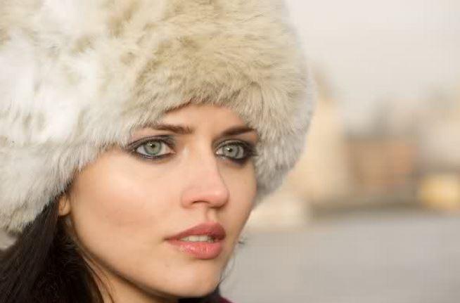 蒼い目のウクライナ美人