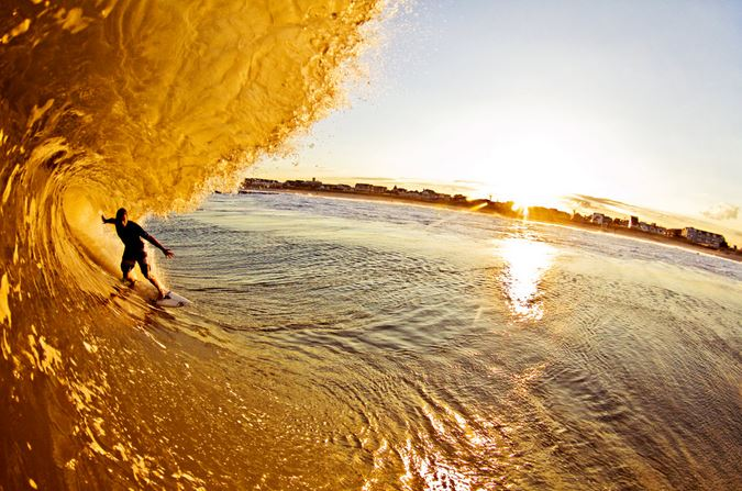 冬のサーフィンは修行