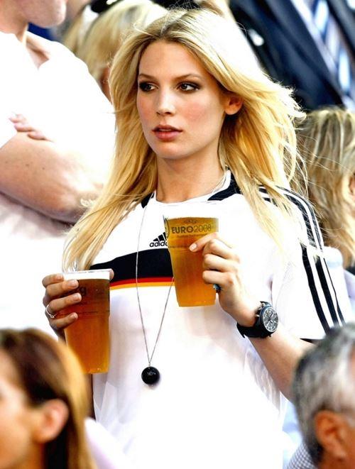 ドイツ美人サポーター