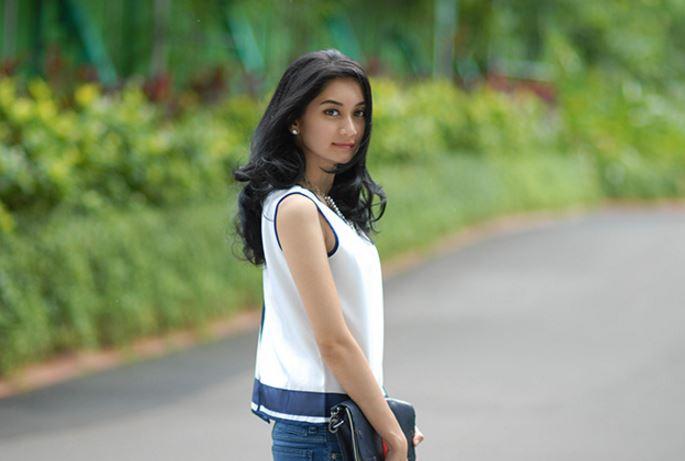インドネシア清楚系女優