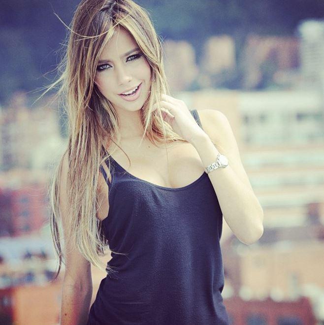 南米の金髪美女
