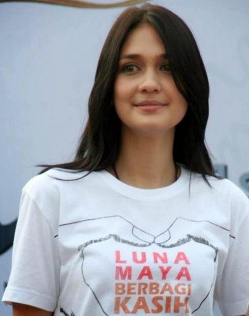 インドネシアの超絶美人女優