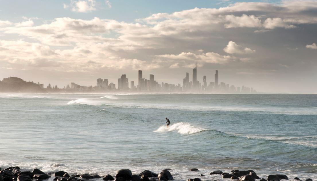 サーフィンは一人で出来る