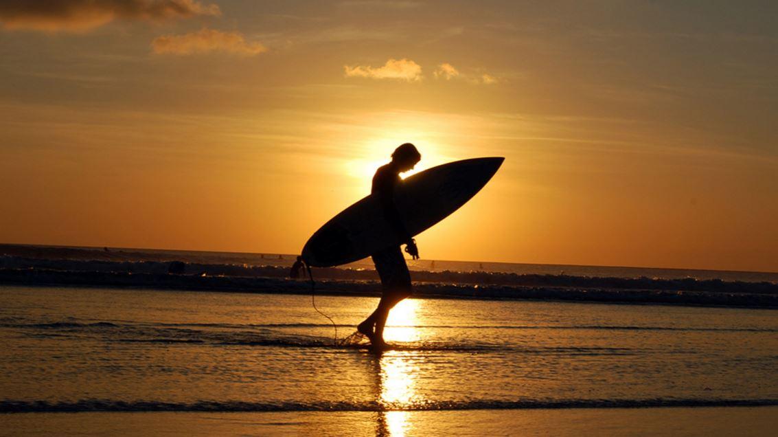 サーフィンは無料