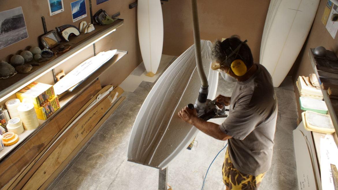 サーフボードメーカー