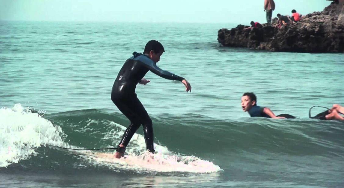 小波のサーファー