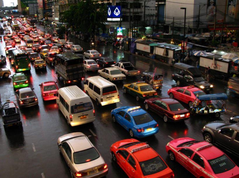 バンコク雨季の渋滞