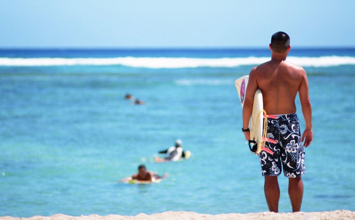 真夏のサーフィン