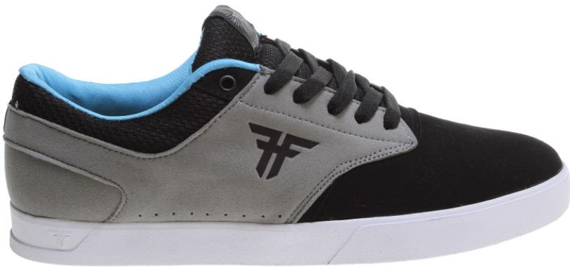 fallen-shoes