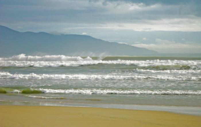 Vietnam-Surfing